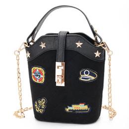2019 commercio nuovo sacchetto 2018 commercio estero nuovo secchio borsa femminile Messenger bag piccola spalla cerniera distintivo spalla coreana commercio nuovo sacchetto economici