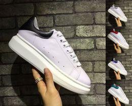 Sapatas oxford on-line-Designer de Sapatos Casuais Mulheres Homens Sapatilhas Oxford Sapatos de Couro Vestido de Lazer Rua Rainha Sapato Marca de Luxo Da Moda Plataforma Andar Formadores