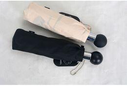 12 шт./лот роскошный классический узор Камелия цветок логотип Зонтик для женщин 3 раза роскошный зонтик с подарочной коробке и сумке дождь зонтик VIP подарок от Поставщики зонтичные сумки