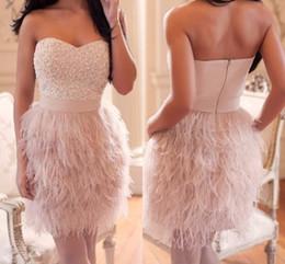 2019 sexy mini vestido de plumas Nuevos vestidos de fiesta sin espalda Vestidos de plumas con lentejuelas con cuentas Vestidos cortos para vestidos de fiesta Formatura HY1534 rebajas sexy mini vestido de plumas