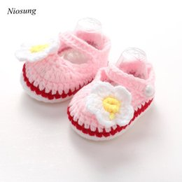 Wholesale baby crochet shoes sneakers - Wholesale- Niosung Crib Crochet Casual Baby Girls Handmade Knit Sock Daisy Infant Shoes Baby First Walkers Soft Sole Sneaker Toddler Shoes