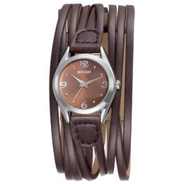 97ad22e69d6e Nueva Moda 2017 Pulsera de Las Mujeres Relojes Correa ancha Reloj de Cuarzo  de Las Señoras Cuero Casual Pequeño Dial WEIQIN Marca de Lujo Reloj de  pulsera