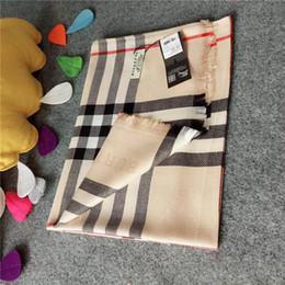 bufanda de terciopelo negro Rebajas Bufandas suaves Hilados de seda cómodos Bufandas de mujer Abrigos Bufandas a cuadros de gran tamaño Mantas de pañuelo para el cuello