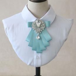 Hochzeits-Bräutigam-Hemd-Zusätze elegante Himmel-Blau-Fliege Herrenmode-Zusatz-Schwarz-beiläufige koreanische Hochzeits-Kragen-Blume von Fabrikanten