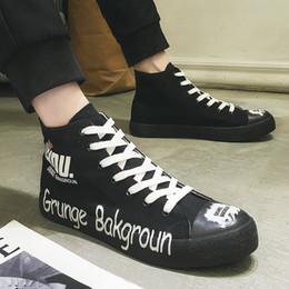 0b74c2d91b9 Alta Qualidade Primavera Outono Sapatas de Lona Dos Homens Sapatilhas  Brancas Alta Top Sapatos Pretos Homens Casuais Masculinos Da Marca de Moda  Sneakers
