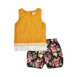 Wholesale cute baby girl yellow outfits - Toddlers girls summer tassels outfits 2pc set yellow sleeveless tassels top+floral short pants cute baby girls outfits B11
