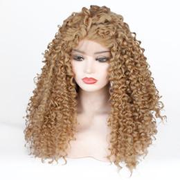 2019 parrucca lunga bionda miele Moda 27 # Golden Honey Blonde Kinky Ricci Glueless Parrucca anteriore in pizzo sintetico Capelli lunghi Ricci Parrucche naturali per le donne nere Resistenti al calore parrucca lunga bionda miele economici
