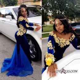 afrikanische spitze samt Rabatt 2018 New Royal Blue Velvet afrikanische Meerjungfrau Prom Kleider mit Goldapplikation aus der Schulter Spitze formale arabische Kleider Abendgarderobe BA8153