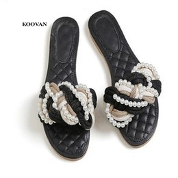 Wholesale black pearl flat back - Koovan Ladies Slippers 2018 New Style Fashion With Pearl Flat Shoes Ladies Summer Flat With Woman Beach Fashion Sandals Woven