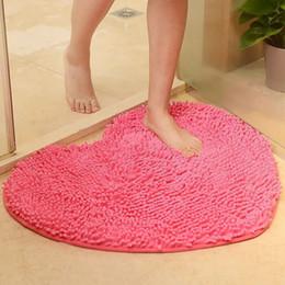 Коврики для сердца онлайн-Оптовая торговля-40 * 50 см микрофибры пены памяти мягкий лохматый не скользит абсорбент коврик для ванной душ коврики ковер розовый красный форма сердца коврики