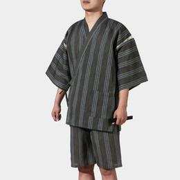 Argentina 2018 verano vintage negro guerrero de los hombres japoneses kimono con obi tradicional yukata traje de la convención de ropa de samurai supplier traditional clothes black Suministro