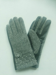leather hair gloves Promo Codes - Fashion ladies wool thickening gloves leather pearl bow touch gloves source of supply support on behalf of the hair