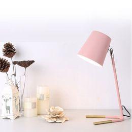 Mesa de estudo rosa on-line-Nórdico Moderno Simples Candeeiro de Mesa Personalidade Criativa Mesa De Ferro Luz de Leitura Do Escritório lâmpada de Cabeceira Estudo Cor levou candeeiro de mesa luzes cor de rosa