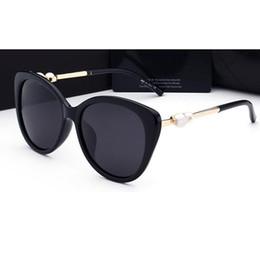 Wholesale Sunglasses Pearls - 2018 woman sunglasses Fashion Pearl Leg Brand lady luxury designer with box UV400 polarizing sunglasses for women