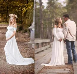 vestidos de casamento gravados vintage mais tamanho Desconto 2018 Vestidos De Casamento De Maternidade Império Branco Macio Chiffon Fora Do Ombro Simples Vestidos De Noiva Vestidos Plus Size Vestido Para Mulher Grávida