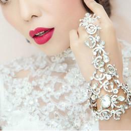 Wholesale Wedding Hair Chains - Bridal Chain Bracelet Wedding Dress Accessories Bridal Rhinestone Fashion Hair Accessories Bridemaid Hand Accessories Bracelets