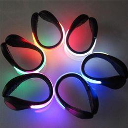 Argentina 2 piezas de LED zapatos luminosos clip luz de advertencia de seguridad nocturna LED brillante luz de destello para correr deporte Ciclismo zapatos de bicicleta clip LED Suministro