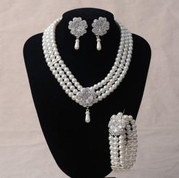 Canada Fête De Mariage De Mode Ivoire De Mariée Imitation Perle Strass Cristal Collier Boucles D'oreilles Ensemble Bijoux Prom supplier ivory pearl earrings wedding Offre
