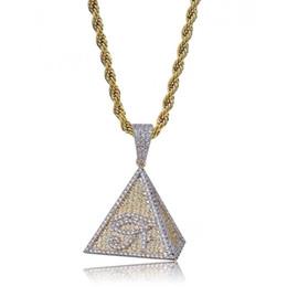 Piramidal colgante collar de oro online-Hip Hop heló hacia fuera color de oro chapado egipcia pirámide del ojo de Horus Colgante Collar Micro CZ pavimentado Chram joyería