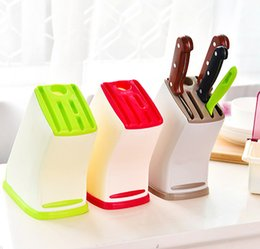 Soportes de cuchillos de cocina online-Multifunción Accesorios de cocina 3Colors Plastic Knives Holder Block Knife Stand Kitchen Tool