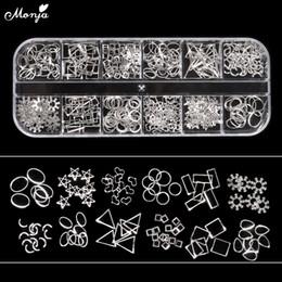 Canada Monja 12 Grille De Style Mixte Nail Art Shell Étoile Lune Conception Ovale En Métal Rivet Goujons Chaîne Cadre 3D DIY Charme Décoration Accessoires Offre