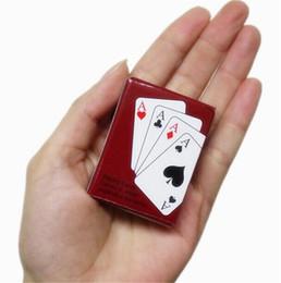 Mini jogo de cartas de baralho de poker fora de viagem ao ar livre criativo mini cartão de poker mesa venda quente jogo de tabuleiro de