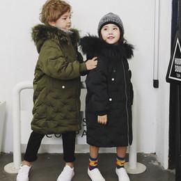 kind weißer mantel Rabatt Schnee tragen Kinder 80% weiße Ente Daunenjacke mit großen bunten Pelzkragen Mädchen Kind Mantel Oberbekleidung Winteranzug lang 2 8 10 12y