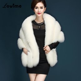 Wholesale pink women winter jacket - Hot Sale 2018 Women Faux Fur Wrap Fashion Bridal Capes Winter Wedding Jacket Mariage In Stock Ivory Gray Black Pink Cheap Fur Bolero