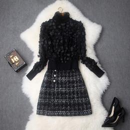 Ropa de ropa de tweed online-Ropa de otoño de las mujeres establece nueva flor sólida de principios de otoño decorado cuello alto chaqueta tejida Tweed falda corta de dos piezas vestido conjunto