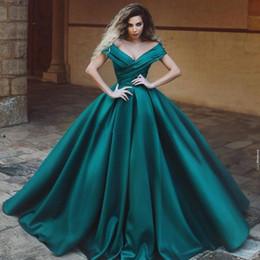 2019 magnifique robe de bal bleu foncé Magnifique robes de soirée hors de l'épaule Satin plissé longueur de plancher robe de bal robes de bal vert foncé Royal Blue formelle robes de soirée magnifique robe de bal bleu foncé pas cher