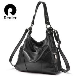 2019 синтетическая моющая кожа REALER большая сумка женщины бродяга сумка дизайнер сумки синтетические промывают кожа тотализатор дамы сумки посыльного женский топ ручка D18102906 дешево синтетическая моющая кожа