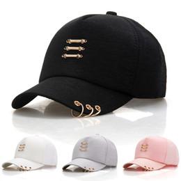 Moda al por mayor 4 colores Algodón Gorras wuth Rings Gorras de béisbol  sombrero del cubo Casquette Snapback sombreros del diseñador Dad Hat  sombreros ... d557e39623a