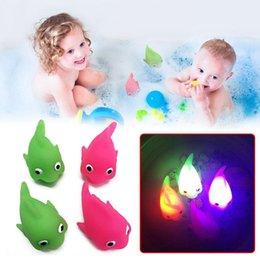Wholesale Light Up Gadgets - Water Induction Flashing Fish Toys Luminous Funny Gadgets Water-sensing Baby Bathing Toy Light Up Fish Green Pink