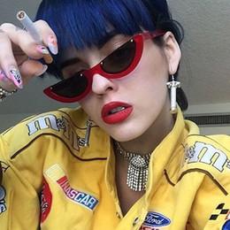 Cool Trendy Metade Quadro Sem Aro Cat Eye Sunglasses Mulheres 2018 Moda  Clara Marca Designer de óculos de Sol Para Oculos de sol Feminino b56b5893ff