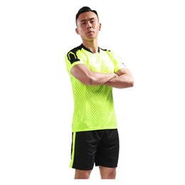 Homens faculdade futebol on-line-Camisas de Futebol de alta Qualidade Quick Dry Respirável Homens Conjuntos Uniformes de Futebol Da Equipe Feitos Sob Encomenda Da Faculdade Uniformes de Futebol Adulto Camisas de Futebol