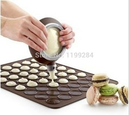 Wholesale Macarons Baking - Wholesale- Small 26 * 29cm 30 Holes Round Macarons Mats Silicone Pads Cookie Cutters Chocolate Baking Mats Free Shipping