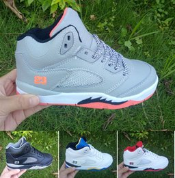 Wholesale birthday for boys - 2018 Cheap Children Athletic shoes Kids Basketball Shoes J5 Athletic sport Sneakers for Boys And Girl Toddlers Birthday Gift,11C-6Y