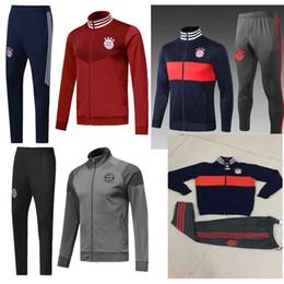 costume rouge gris Promotion 2018 Bayern Munich rouge veste manteau de costume de football manteau de football gris gris uniforme d'entraînement 2018/19 costume de football + pantalon