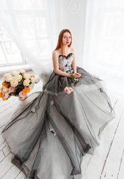 Wholesale Beaded Silk Taffeta Ball Gowns - Gothic Wedding Dress White Black 2018 Chic Bridal Ball Gown Size 2 4 6 8 10 12+