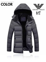 Espesar Cálido abrigo largo de la chaqueta de invierno para los hombres cuello de piel Parkas abrigo con capucha más tamaño abrigo de algodón acolchado chaqueta masculina M-4XL desde fabricantes