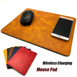 Caricabatterie wireless in pelle Mouse Pad 2 in 1 Caricabatterie portatile Pad portatile per iPhone X XR XS Max 8 Samsung Note 8 S8 da tappetini per mouse in pelle fornitori