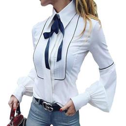 2019 white shirt for bow tie Camicette con papillon Camicie a maniche  lunghe da donna Camicie ed6e68af01c