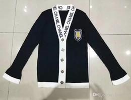 ed99a1d2c 2018 início do outono novos homens e mulheres preto e branco carta treliça  de diamante single-breasted O-pescoço malha cardigan camisola casaco  feminino