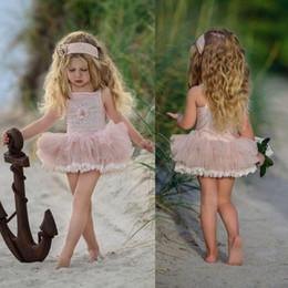 Vestidos bohemian baratos da menina de flor on-line-Sweety 2018 Rosa Curto Pequeno vestido de Baile Flor Meninas Vestidos Sem Mangas Barato Formal Wear Custom Made Bohemian Rendas Pageant Vestido Para As Meninas