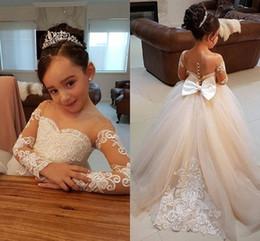 Vestido de manga longa elegante para crianças on-line-Elegante vestido de baile vestidos de meninas de flor para casamentos sheer neck mangas compridas applique lace tule crianças vestidos de noiva meninas pageant dress