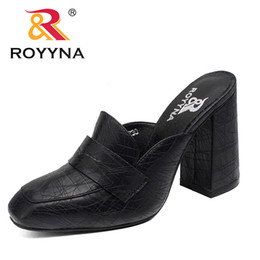 Wholesale Square Flip Flops - ROYYNA New Arrival Fashion Style Women Slippers Outdoor Walking Summer Shoes High Square Heels Comfortable Fast