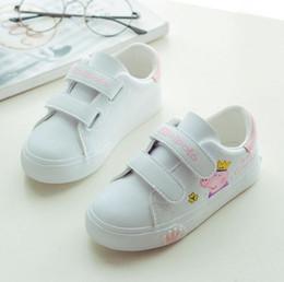 2019 sapatos de bebê sola 2018 criança sapatos casuais botas de couro masculinos femininos soft outsole sneakers bebê sport shoes crianças dos desenhos animados shoes marca crianças tênis sapatos de bebê sola barato