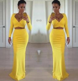 sexy mädchen engen kleider Rabatt Sexy afrikanische schwarze Mädchen 2019 gelb Prom Kleider mit langen Ärmeln zwei Stück enge formale sexy Abendkleider Partykleid billig