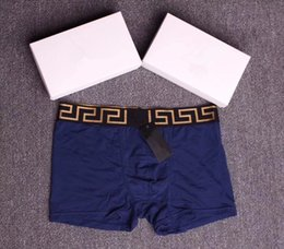 Wholesale men underwear box - 2018 New Man Boxer Shorts Sexy Underpants Young Soft Comfortable Fashion Elastic Famous Brand Boxer Underwear For Men With box 3Piece
