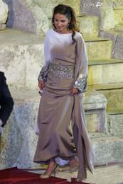 Wholesale Islamic T Shirts - Newly Muslim Evening Dresses Long Sleeves Dubai Kaftan Evening Gowns with Beaded Sash Islamic Abaya Moroccan Formal Party Dresses